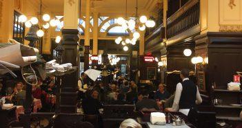 パリの名物ビストロ シャルティエ 祝120周年 Le Bouillon Chartier fête ses 120 ans